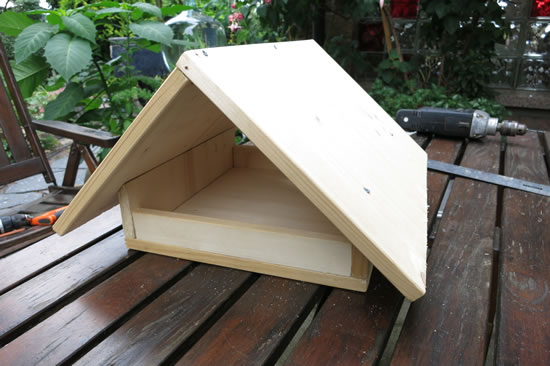 vogelfutterhaus selber bauen - bauanleitung, Garten ideen