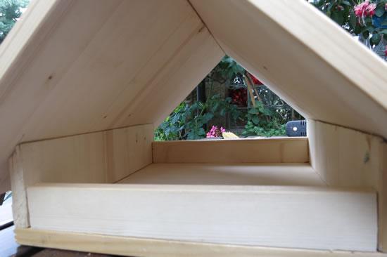 gro es vogelhaus selber bauen vogelhaus selber bauen 34 prima ideen vogelhaus modelle. Black Bedroom Furniture Sets. Home Design Ideas