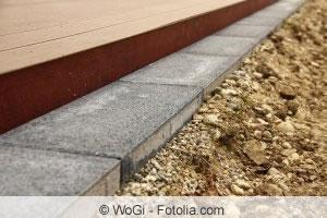 rasenkante verlegen metall pvc beton oder naturstein. Black Bedroom Furniture Sets. Home Design Ideas