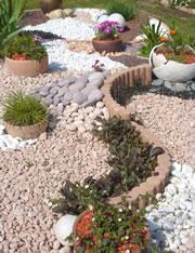 Steingarten anlegen - Gestaltung und Bepflanzung